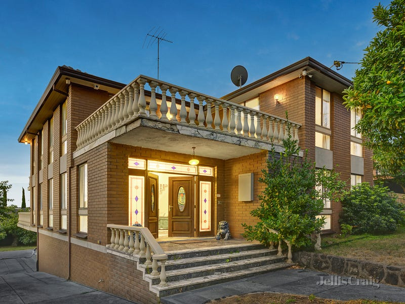 11 St Andrews Crescent, Bulleen, Vic 3105