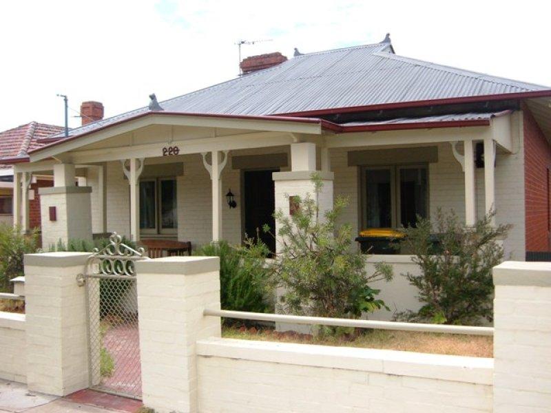 228 Stewart Street, Bathurst, NSW 2795