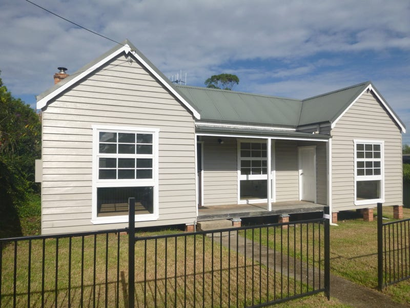 30 Hoyer Street, Cobargo, NSW 2550