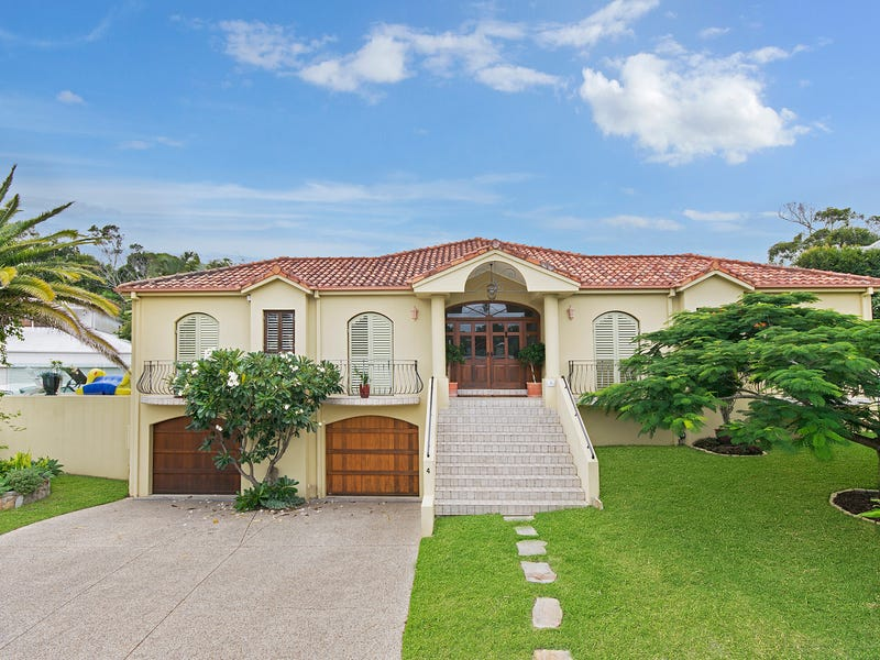 4 Tangmere Court, Noosa Heads