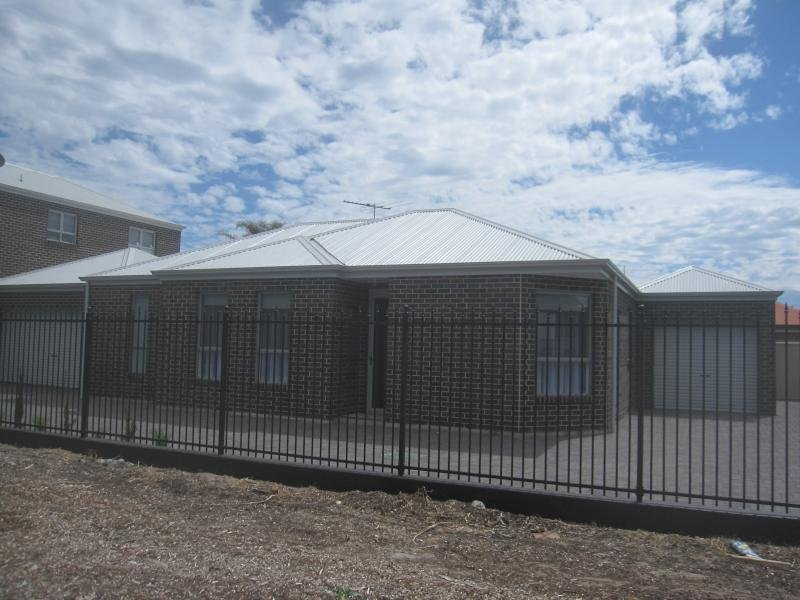 2/25 Bower Rd, Semaphore South, SA 5019