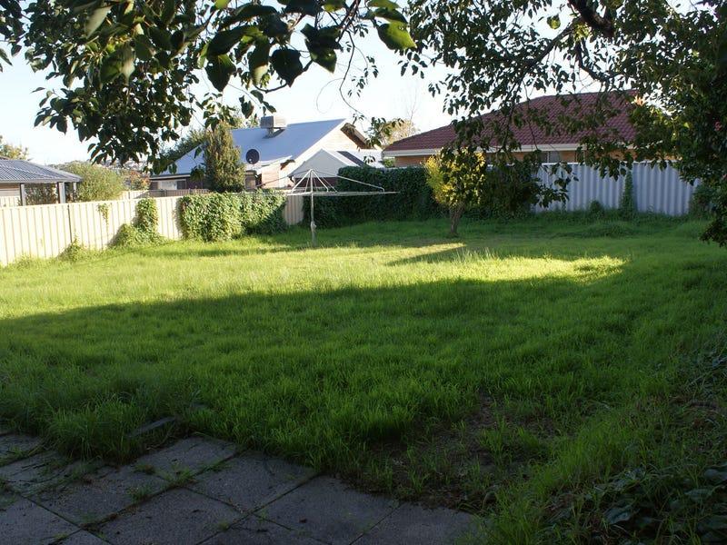 26 Hartree Close, Willagee, WA 6156