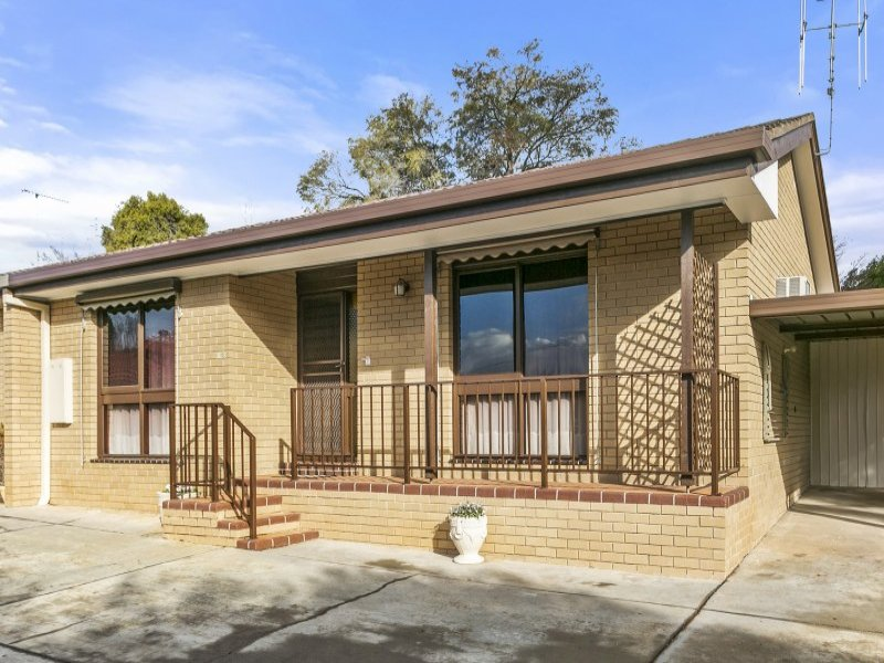 10c Button Street, Strathdale, Vic 3550