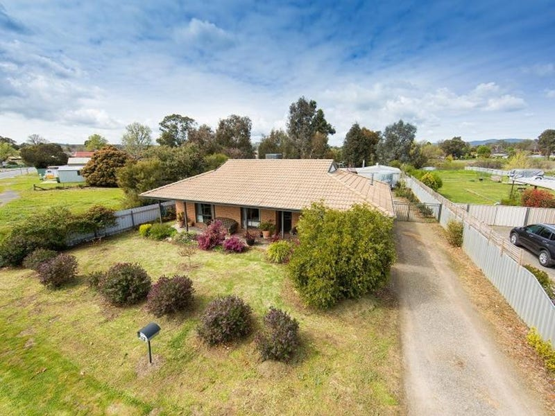 62 High Street, Chiltern, Vic 3683