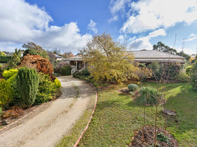 16 Samuel Court, Woodend, Vic 3442
