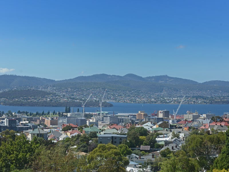 40 Knocklofty Terrace, West Hobart, Tas 7000