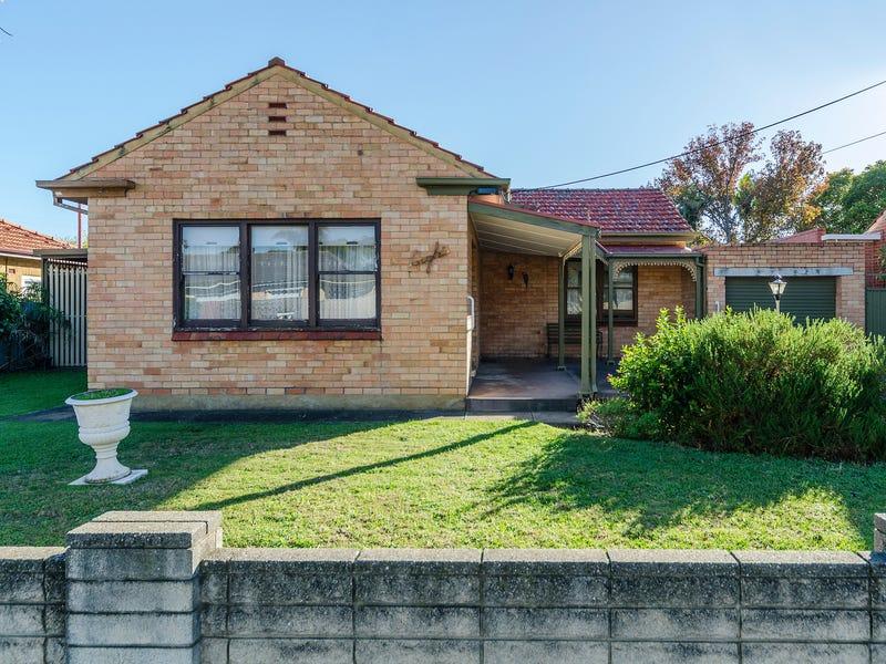 8 Ryan Avenue, Woodville West, SA 5011