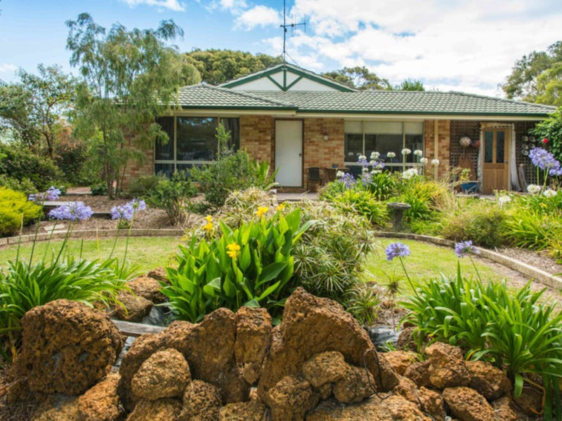 15 Connelly Street, Little Grove, WA 6330