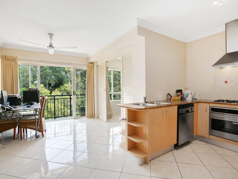 1017/2 Greenslopes Street, Cairns North, Qld 4870