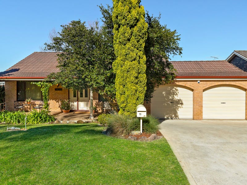 11 Medway Drive, Mount Keira, NSW 2500