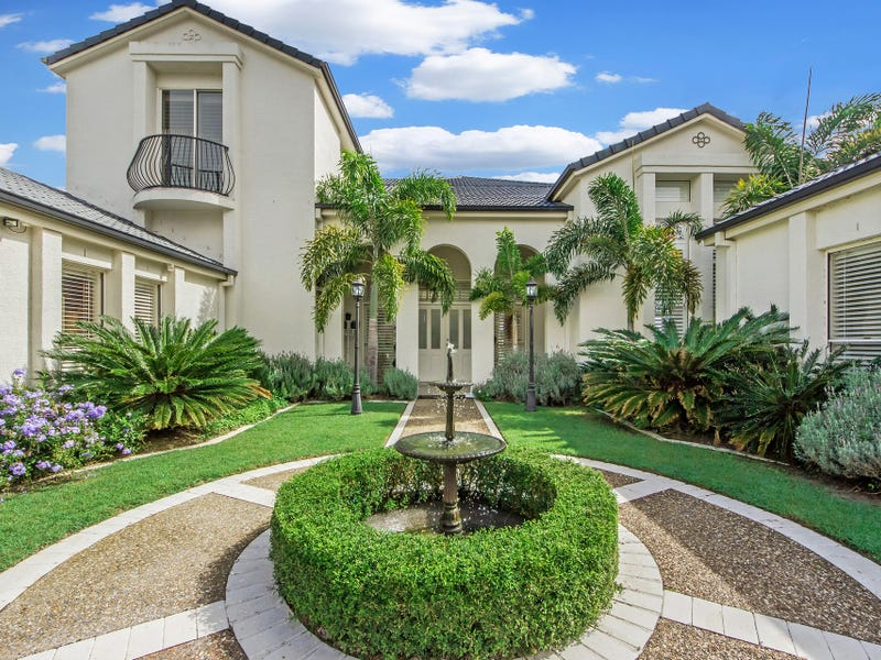 34 Staysail Crescent, Clear Island Waters, Qld 4226