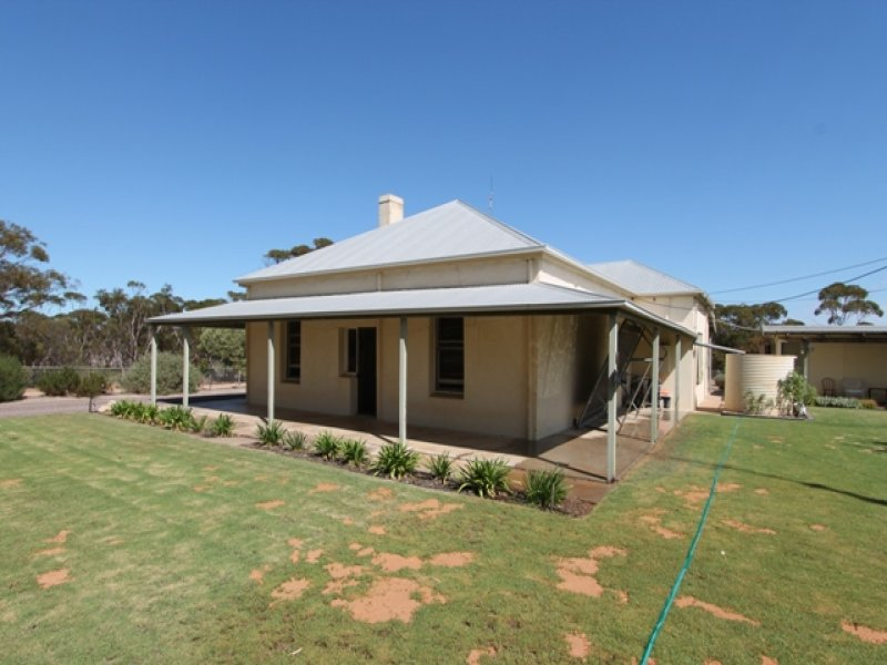 Section 4 Hundred of Smeaton, Cleve, SA 5640
