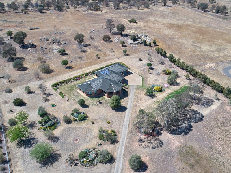 351 East Street, Cartwrights Hill, NSW 2650