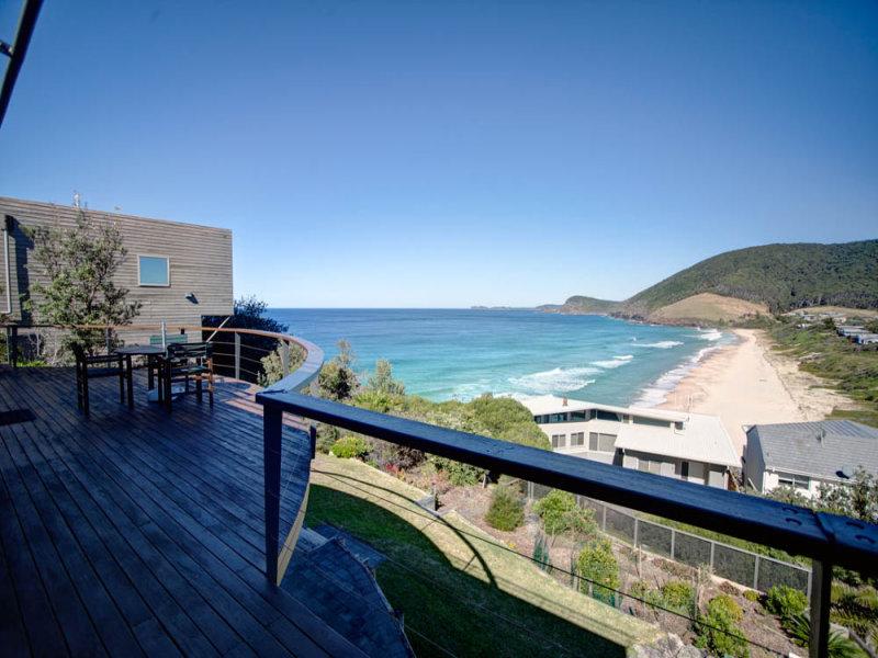 4 Headland Road, Blueys Beach, NSW 2428