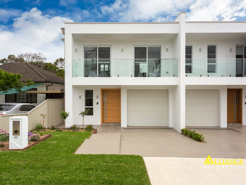 43 Parkview Avenue, Picnic Point, NSW 2213
