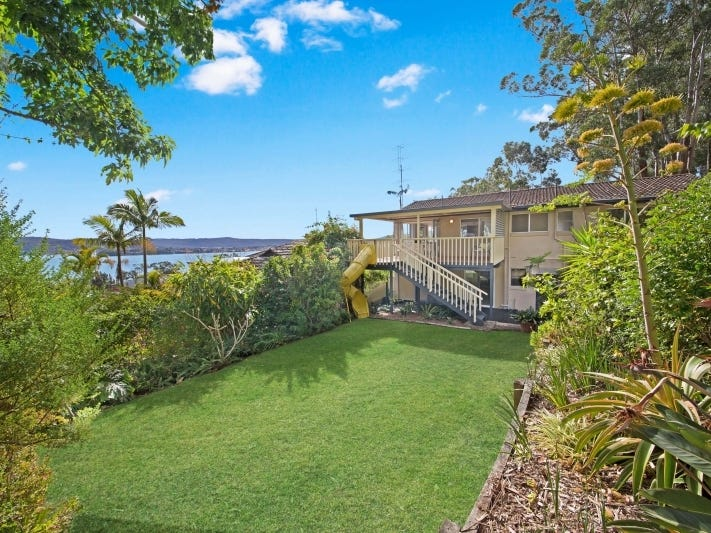 20 Greenslope Drive, Green Point, NSW 2251