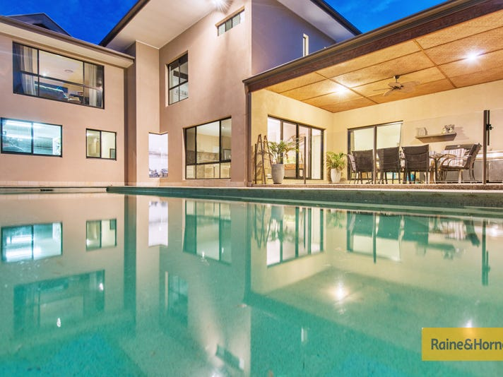 4 Hillary Circuit, Pacific Pines, Qld 4211