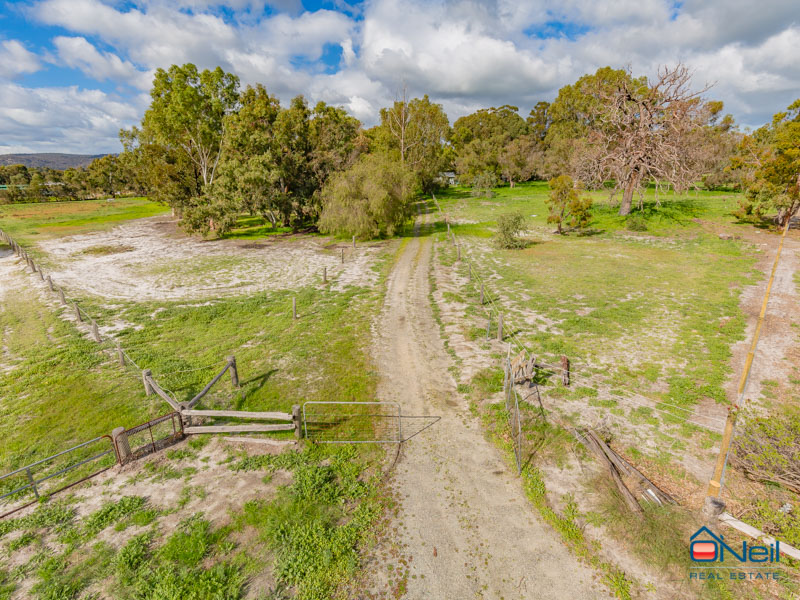 52 Walker Road, Serpentine, WA 6125