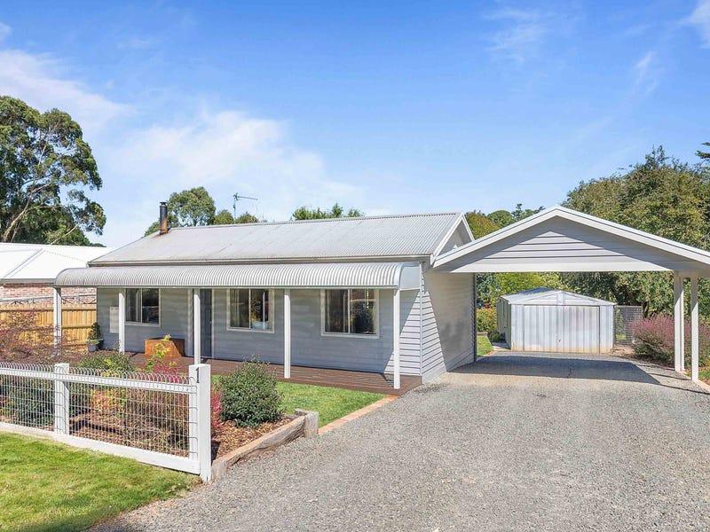 3 Faheys Road, Gordon, Vic 3345