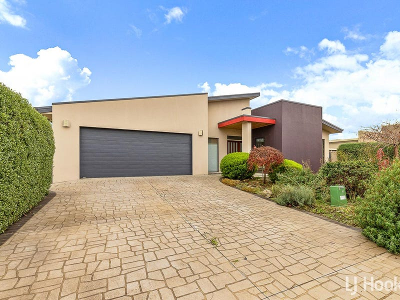 45 Jeanne Young Circuit, McKellar, ACT 2617
