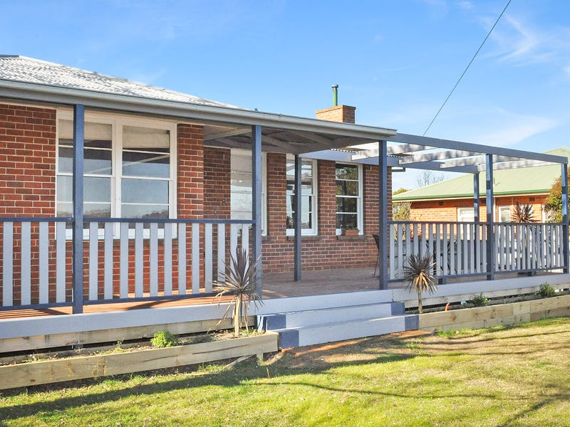 11 Hill Street, West Bathurst, NSW 2795