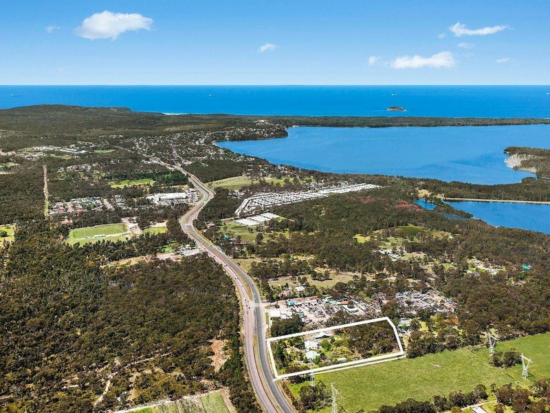 220 Pacific Highway, Doyalson North, NSW 2262
