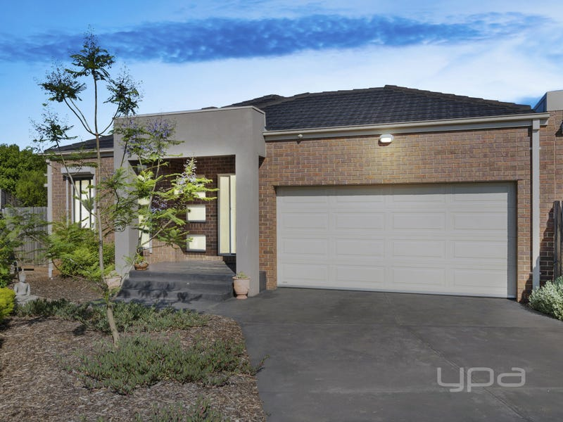 1/6 Lorna Place, Melton West, Vic 3337