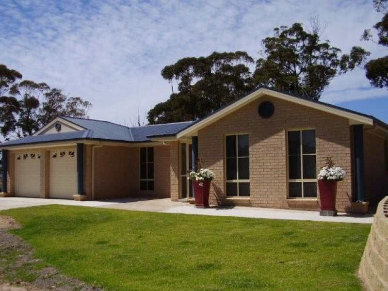 55 Emerald Crescent, Wallagoot, NSW 2550