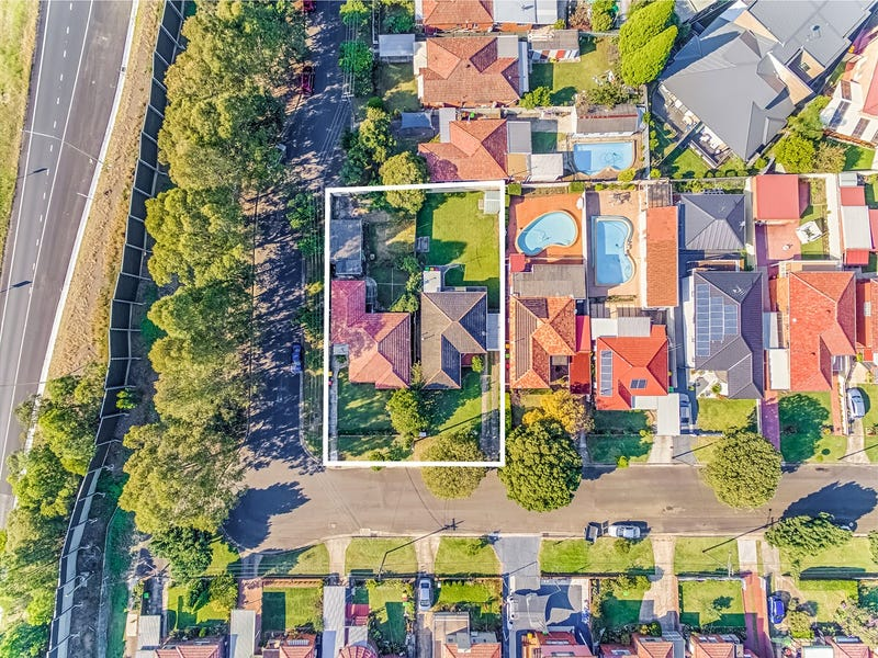 10 and 12 Midlothian Avenue, Beverly Hills, NSW 2209
