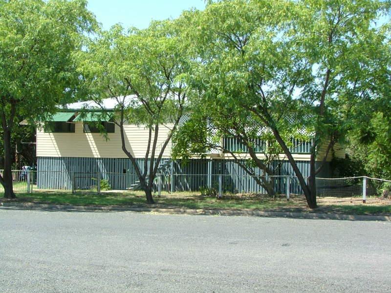 37-39 Moore Street, Dirranbandi, Qld 4486