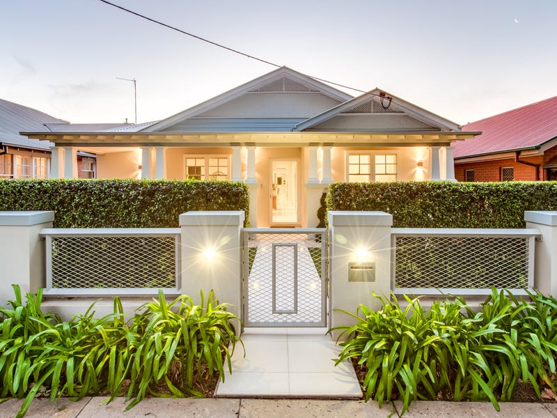 74 Thorne Street, Wagga Wagga, NSW 2650