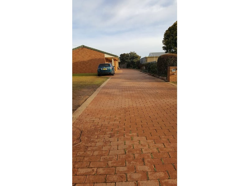 1/23 Howe Street, Finley, NSW 2713