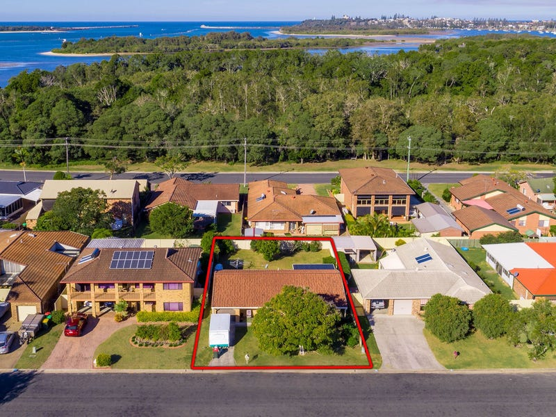 10 Binnacle Court, Yamba, NSW 2464