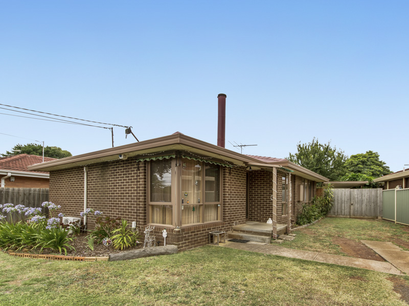 38 Falcon Drive, Melton, Vic 3337