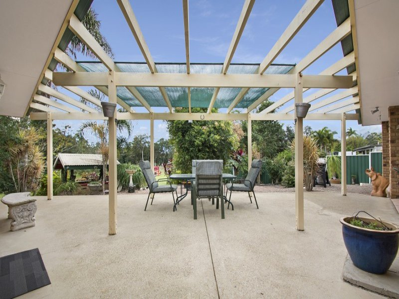 33 peters road glass house mountains qld 4518
