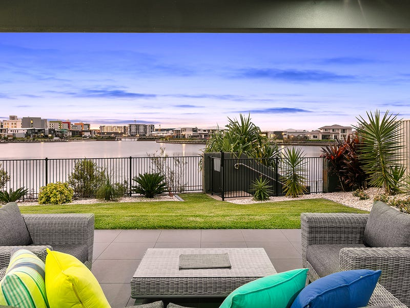 14 Buruwang Street, Birtinya, Qld 4575
