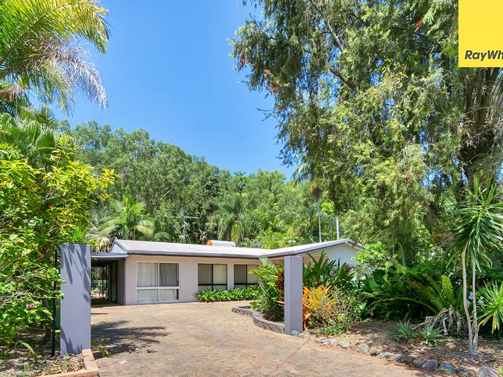 18 Hope Street, Clifton Beach, Qld 4879
