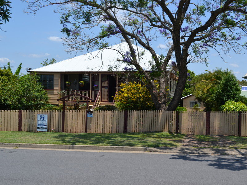 2 Caithness Street, North Booval, Qld 4304