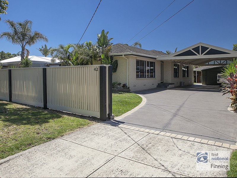 42 Spring Road, Junction Village, Vic 3977