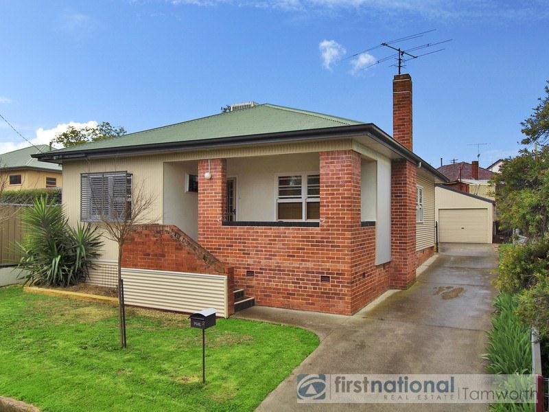 2 Dowell Avenue, North Tamworth, NSW 2340