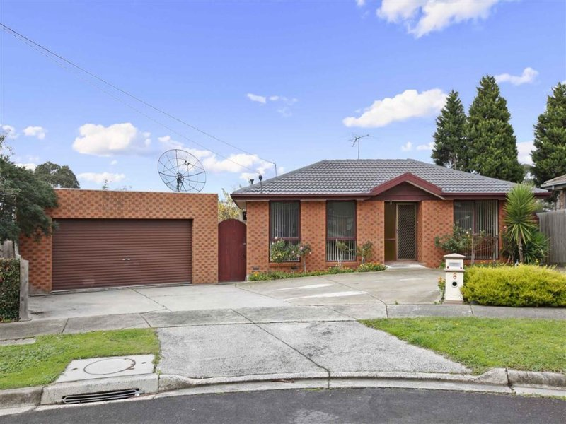 8 Bishop Place, Epping, Vic 3076