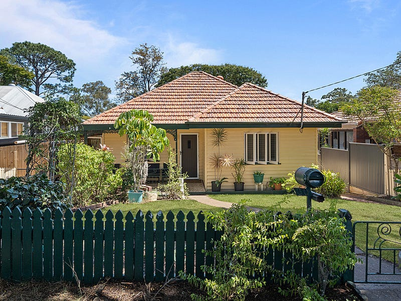 30 Castor Road, Wavell Heights, Qld 4012
