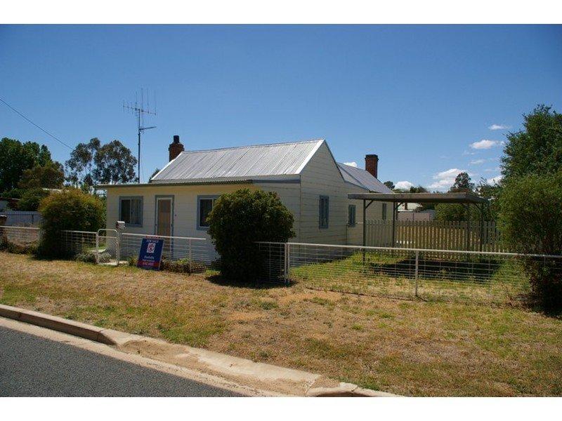 12 West Street, Grenfell, NSW 2810