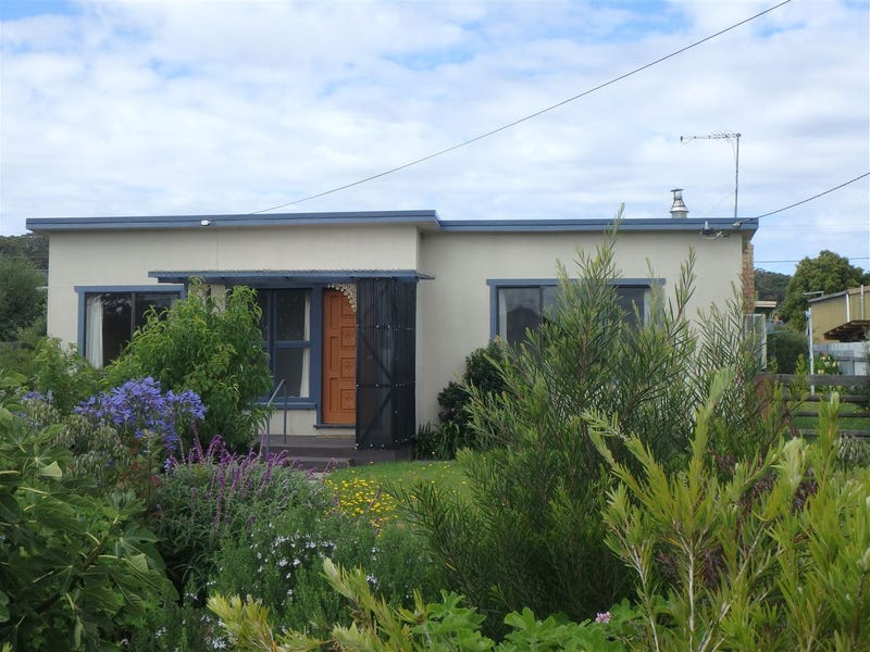 9 Beatty Street, Beauty Point, Tas 7270