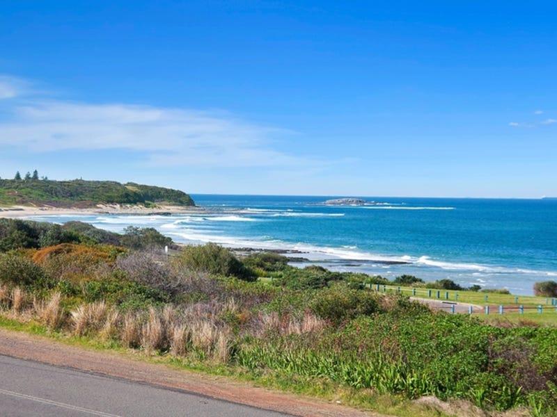 156 Caves Beach Road, Caves Beach, NSW 2281