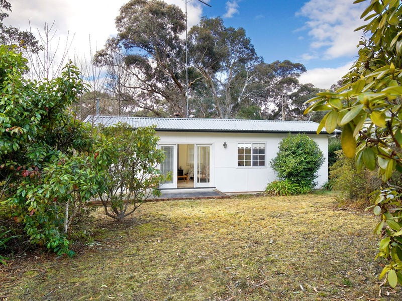 92 Clarence Road, Blackheath, NSW 2785