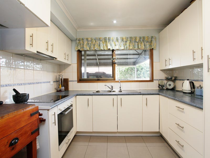 9 Worland Street, Winchelsea, Vic 3241