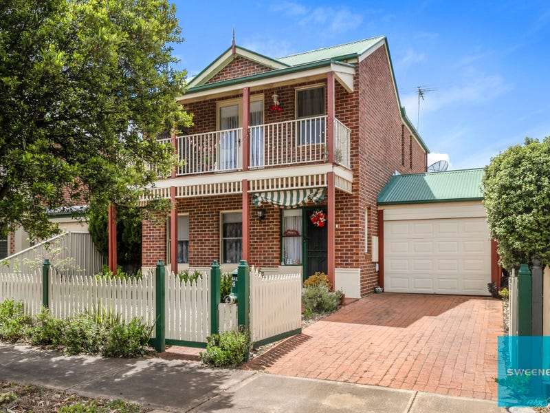 4 Jones Place, Caroline Springs, Vic 3023