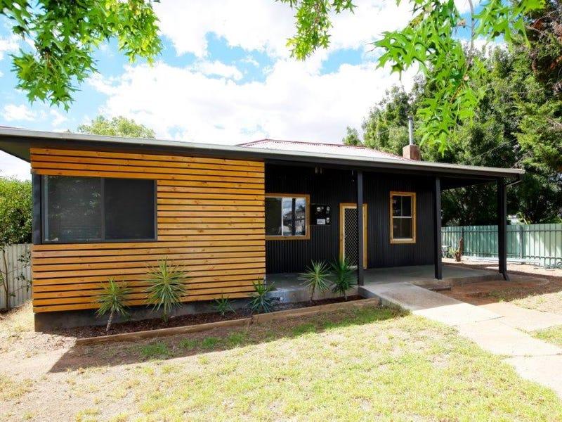 4 Elizabeth Street, Junee, NSW 2663