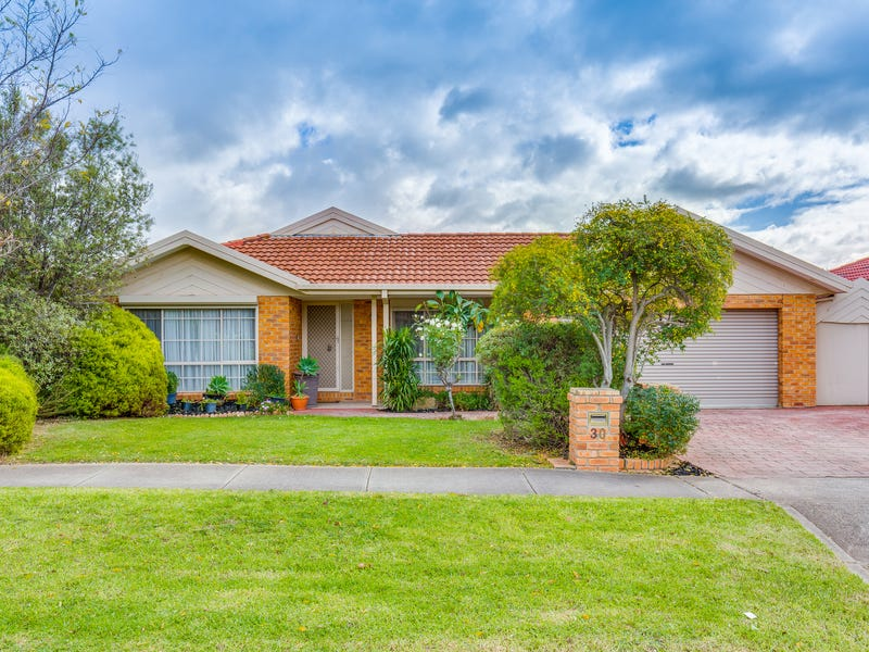 30 Barbary Crescent, Taylors Lakes, Vic 3038
